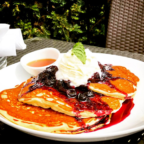 brunch in libertyville at main street social restaurant serves brunch on saturday and sundays